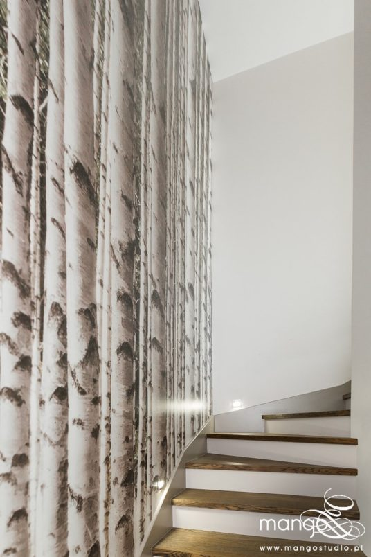 Mango Studio Projektowanie wnętrz pod klucz dom loftowy kolonialny nowoczesny wysoka klatka schodowa (27)