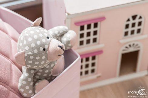 Mango Studio Projektowanie wnętrz pod klucz dom nowoczesny pokój dziewczyki różowy słodki kropki na ścianie(12)