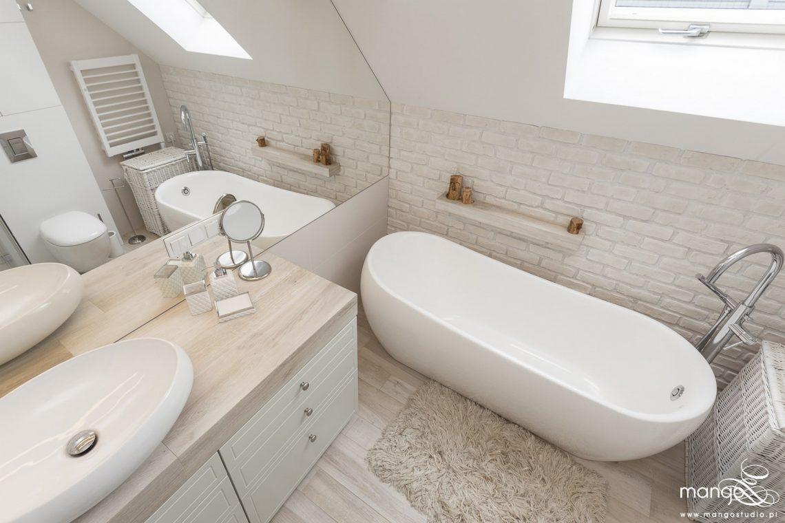 Mango Studio Projektowanie wnętrz pod klucz dom loftowy kolonialny nowoczesny biała łazienka z cegłą (19)