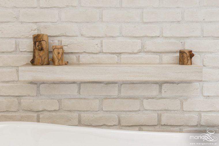 Mango Studio Projektowanie wnętrz pod klucz dom loftowy kolonialny nowoczesny biała łazienka z cegłą (20)