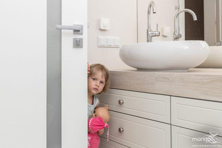 Mango Studio Projektowanie wnętrz pod klucz dom loftowy kolonialny nowoczesny biała łazienka z cegłą (23)
