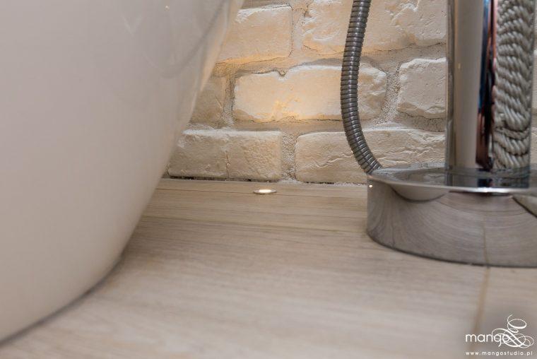 Mango Studio Projektowanie wnętrz pod klucz dom loftowy kolonialny nowoczesny biała łazienka z cegłą (24)