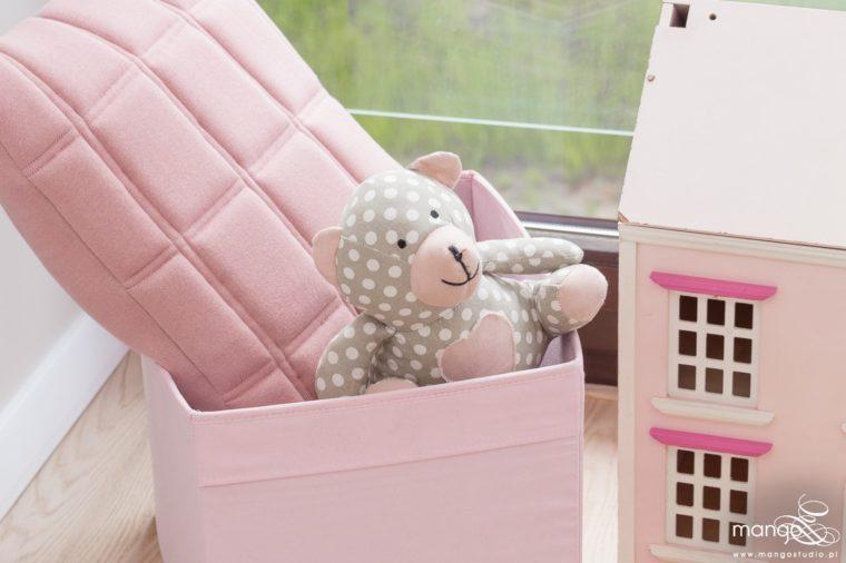 Mango Studio Projektowanie wnętrz pod klucz dom nowoczesny pokój dziewczyki różowy słodki kropki na ścianie(7)