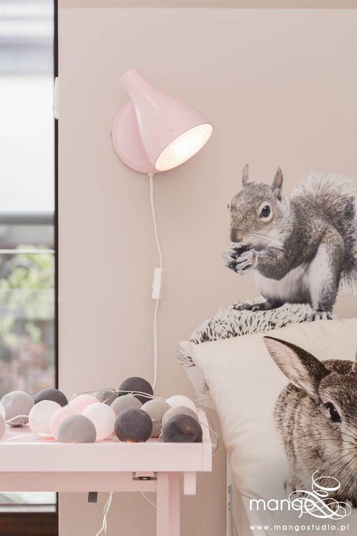 Mango Studio Projektowanie wnętrz pod klucz dom nowoczesny pokój dziewczyki różowy słodki kropki na ścianie(9)