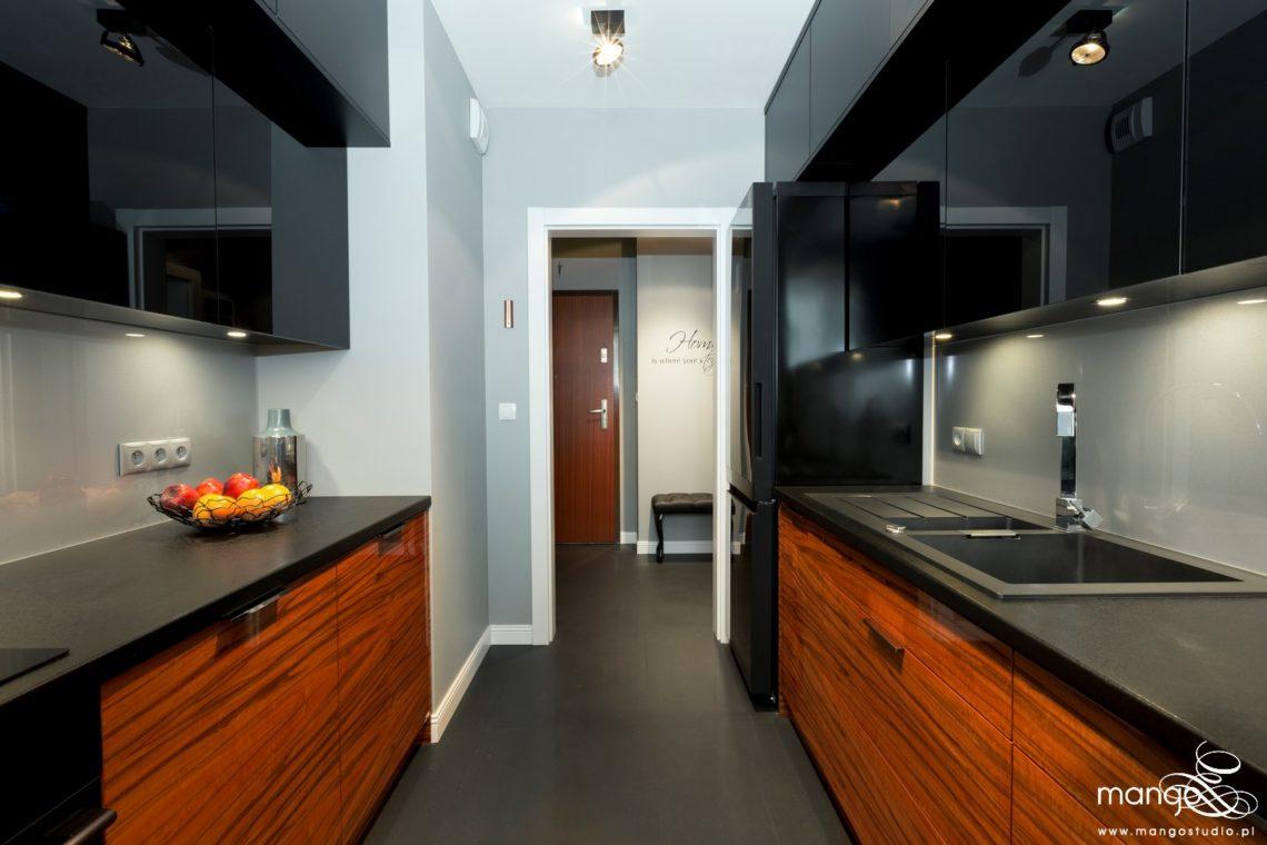 Mango Studio projektowanie wnętrz bajeczna kuchnia i hol w stylu nowoczesnym (4)
